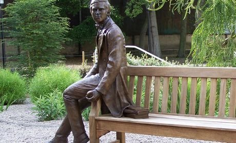 Cambridge Science Tour:  From Newton to Now